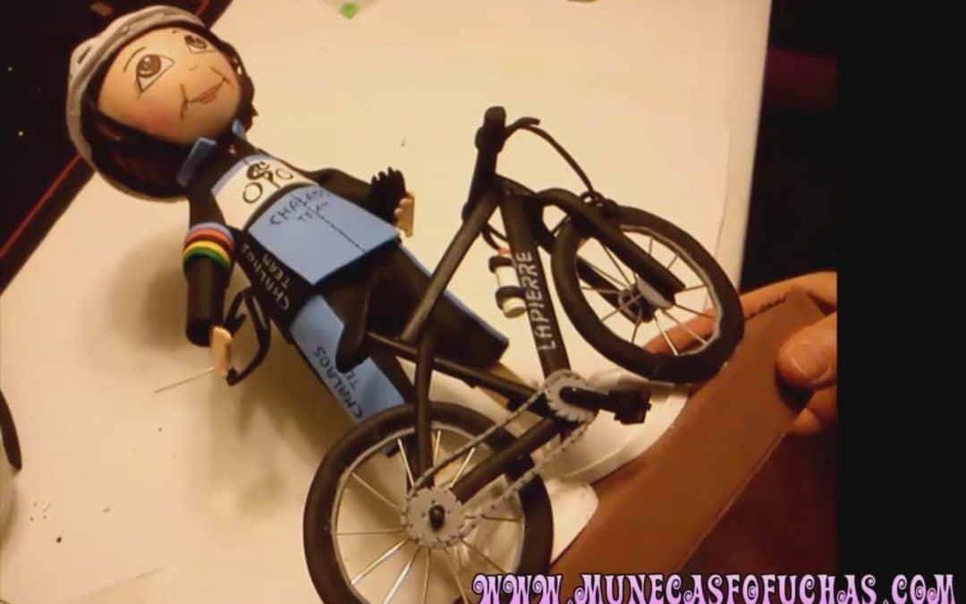 Como hacer bici de goma eva en media hora