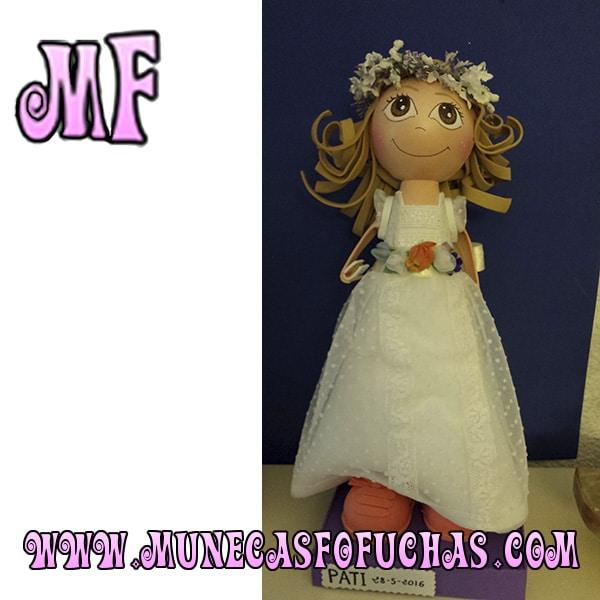 Muñeca Fofucha personalizada comunion 8