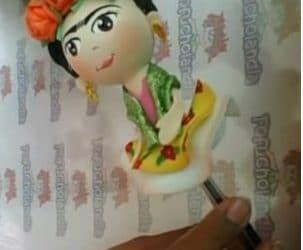 Fofupluma en honor a Frida Kahlo
